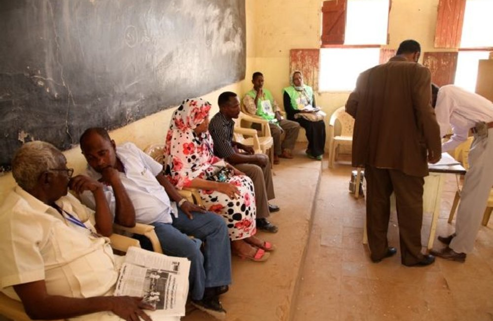 Voters queuing for their turn (Khartoum)